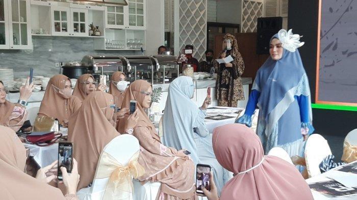 Melihat Peragaan Busana Bertajuk Muslim Fashion Rendezvous di Tengah Pandemi Covid-19