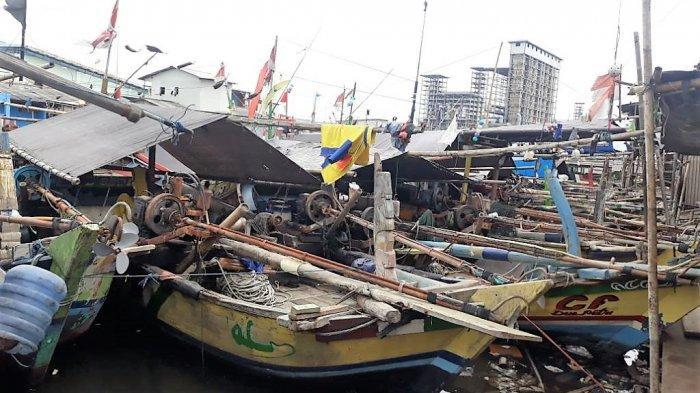 Ombak Besar dan Tsunami Selat Sunda Bikin Nelayan Cilincing Ogah Melaut