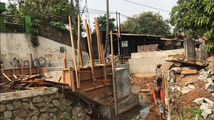 Perbaikan Jembatan Bambu Apus Sempat Mangkrak 3 Minggu, Kadis PU Tangsel: Menunggu Semen Kering