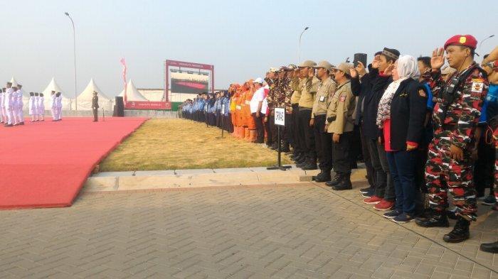 Gubernur Anies Baswedan Beri Penghargaan kepada Lima ASN dan Dua Instansi