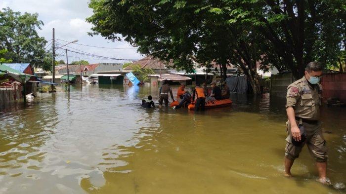 Kecamatan Periuk Tangerang Masih Terendam Banjir Tinggi Sampai Sekarang, Ini Dugaan Penyebabnya