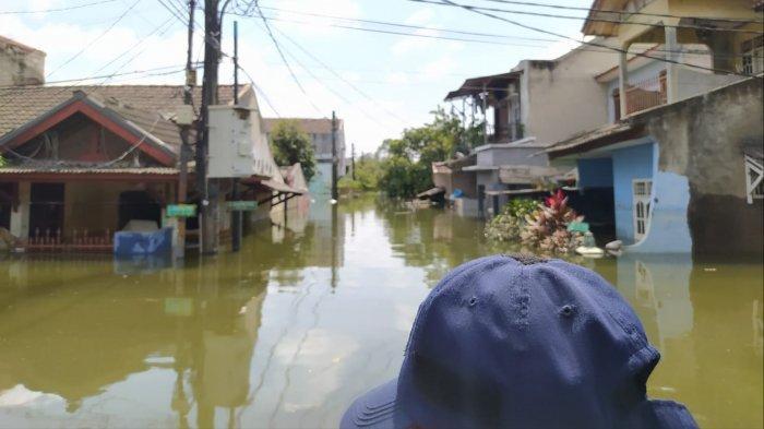 Hanya Atap Rumah yang Terlihat, Penampakan Kawasan Periuk Tangerang Masih Terendam Banjir 3,5 Meter
