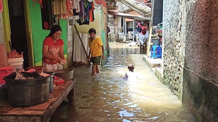 Banjir yang Merendam Kampung Gusti Pejagalan Sudah Terjadi Tiga Hari Berturut-turut