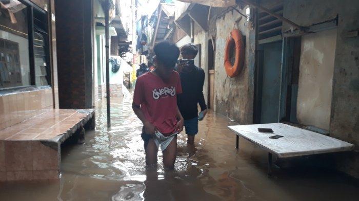 Warga Kebon Pala Kampung Melayu Prediksi Banjir Kiriman Tiba Sore Hari
