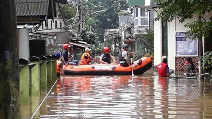 Warga Terkonfirmasi Covid-19 di Jakarta Timur Terdampak Banjir Setinggi Dua Meter