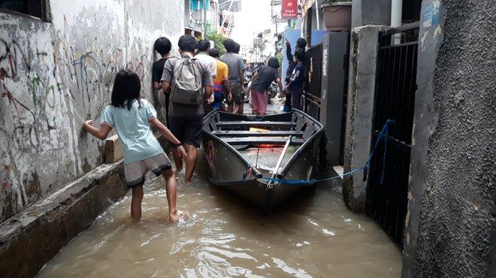 Dikepung Banjir, 42 Pemukiman Warga Terendam, Ketinggian Genangan Nyaris 3 Meter