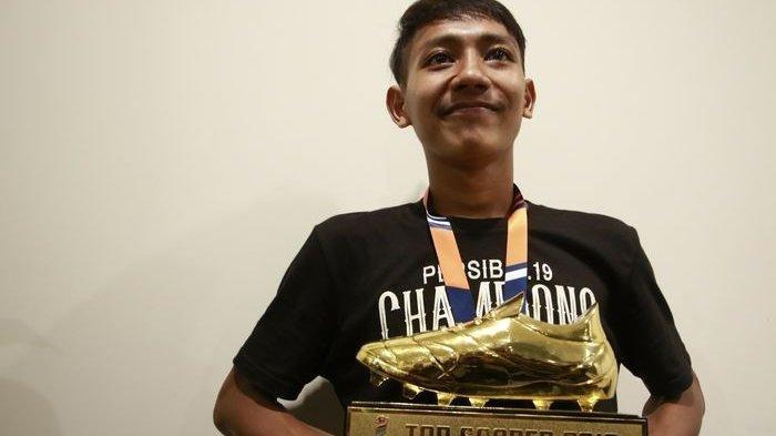 Beckham Adik Gian Zola Ingin Pakai Nomor 7 di Persib Bandung: Nanti Bilang Dulu ke Aa Atep