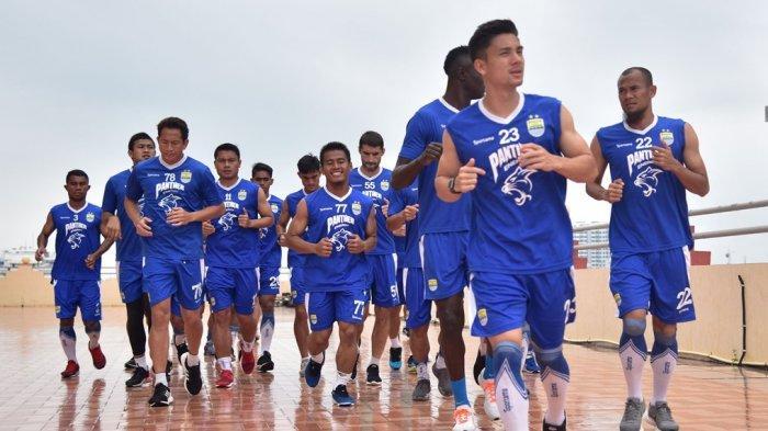 Persib Bandung Launching Tim Bulan Depan: Dari 30 Lebih Pemain, Siapa yang Akan Dicoret?