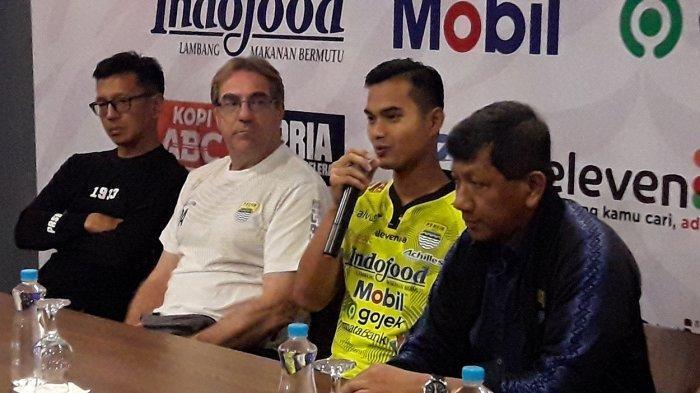 Persib Bandung perkenalkan Dhika Bayangkara.