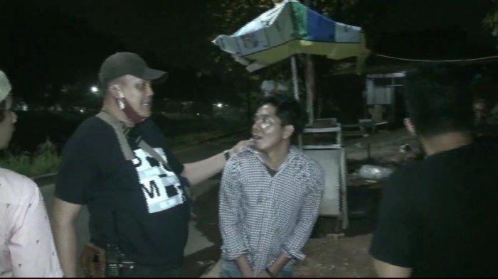 Pria Sok Jago Ini Mabuk Sambil Bawa Golok Tantang Orang yang Lewat, Meringkuk Ketika Polisi Datang