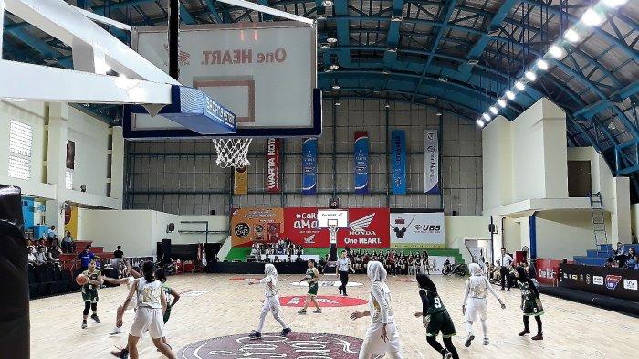 Menekan Sejak Awal, Tim Basket Putri SMAN 71 Jakarta Kalahkan SMAN 12 Jakarta