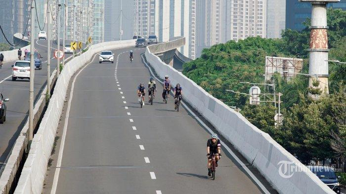 Pekerja yang Menggunakan Sepeda Besok Sudah Boleh Melintas di Jalan Sudirman-Thamrin