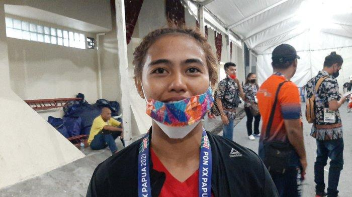 Kalahkan Petinju NTB, Tangis Bahagia Novita Sinadia Persembahkan Emas Bagi DKI Jakarta