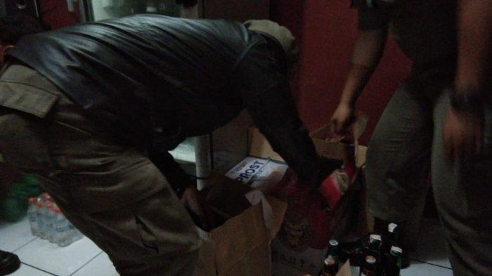 Razia Pedagang Miras, Satpol PP Sita 555 Botol Minuman Beralkohol