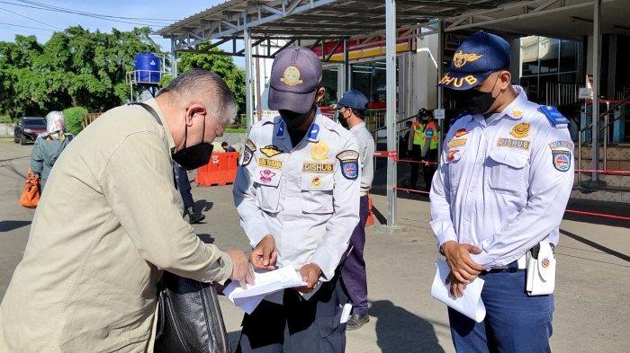 PPKM Diperpanjang 5 Hari, Penumpang KRL dan Transjakarta Wajib Tunjukan STRP & Pakai Masker Berlapis