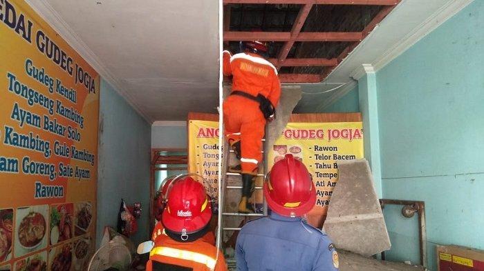 Warung Gudeg di Bekasi Hancur hingga Satu Orang Menderita Luka Bakar Akibat Tabung Gas Meledak