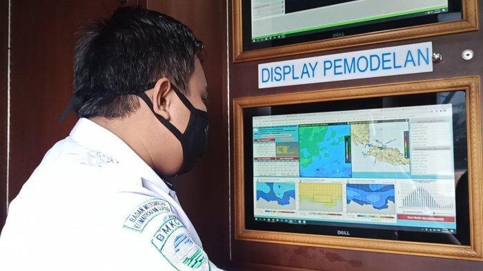 Hambat Operasi SAR SJ-182, Intensitas Angin dan Gelombang Diprediksi Menurun Jelang Malam