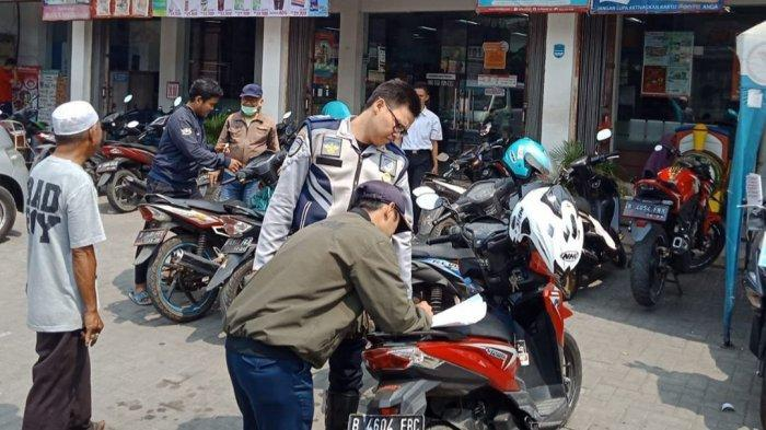 Pemkot Bekasi Ambil Alih Penarikan Retribusi Parkir di Alfamart dan Indomaret