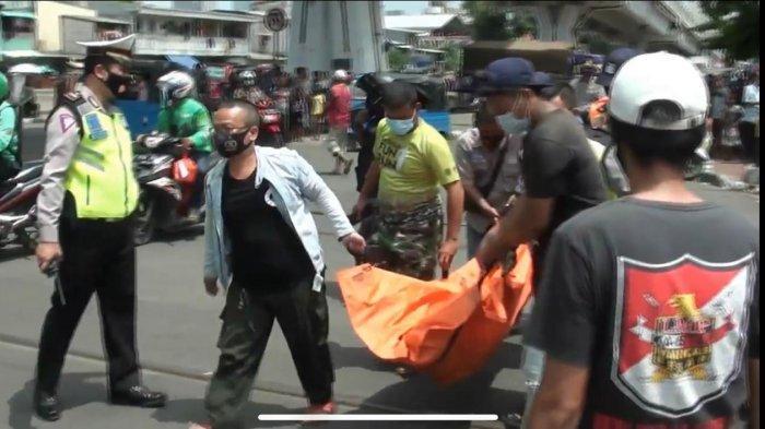 Tak Dengar Kereta Lewat, Pejalan Kaki Tewas Tersambar di Tambora
