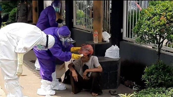 P3S Sudin Sosial Jakarta Timur Dibekali APD Evakuasi PMKS Bergejala Covid-19