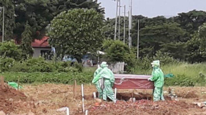 Bekerja 24 Jam hingga Takut Tertular, Curhat Penggali Kubur Makamkan 1.500 Jenazah dari Awal Pandemi