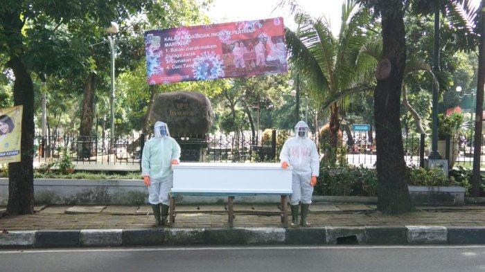 Sindiran dan Aksi Dukung Petugas Medis, Protes Banyak Warga Keluar Rumah & Pergi ke Mal Saat Pandemi