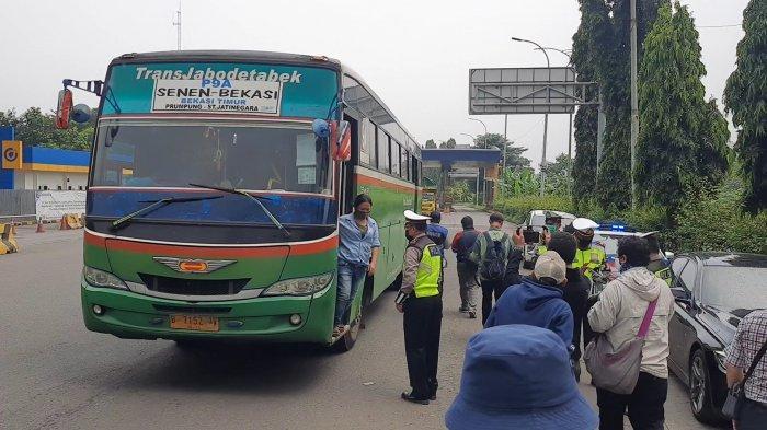 Kepatuhan Sopir Angkutan Umum di Jakarta Timur Meningkat Saat PSBB
