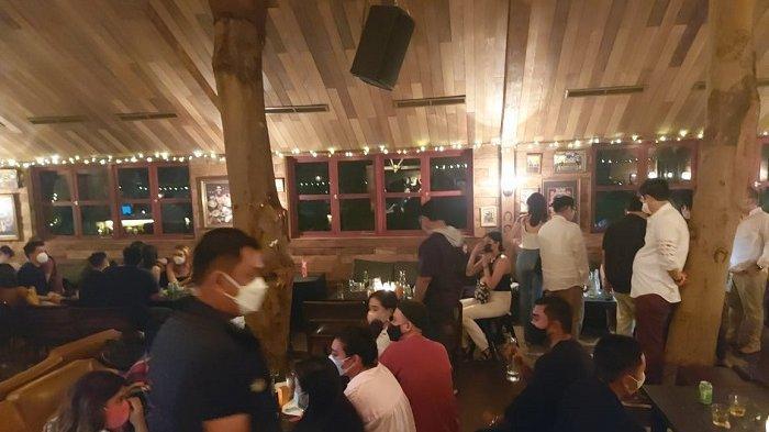 Polisi Segel Tiga Kafe di SCBD yang Langgar Prokes