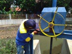 Cegah Banjir di Permukiman Warga, Pintu Air Waduk Kaja di Kecamatan Ciracas Diperbaiki