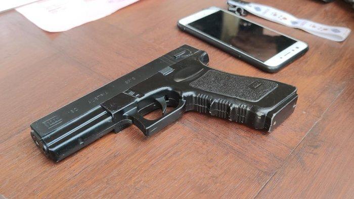 Todong Warga Pakai Pistol Mainan, Maling Motor di Pasar Rebo Ditangkap