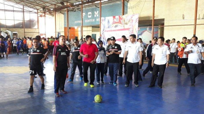 Rangkaian HUT RI, Kecamatan Kembangan Gelar Turnamen Futsal Antar Penyedia Jasa Lainnya Perorangan