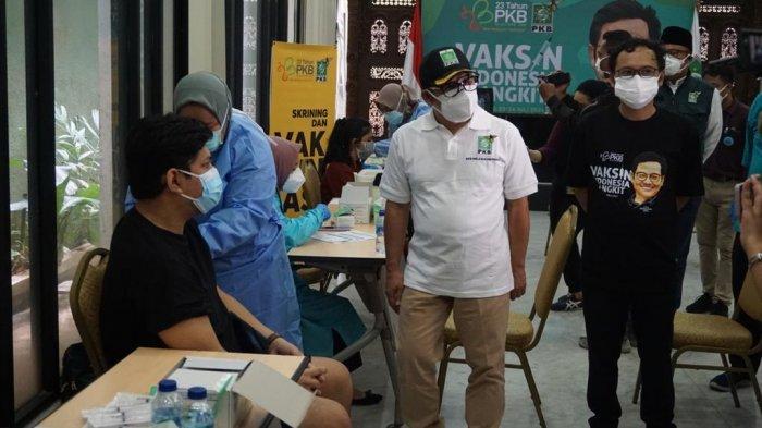 Warga Antusias Ikuti Vaksinasi Covid-19 Hari Kedua di Kantor PKB