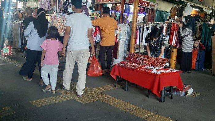 Kepala Satpol PP DKI Minta Pedagang Pasar Tanah Abang Tidak Berjualan di Atas Trotoar