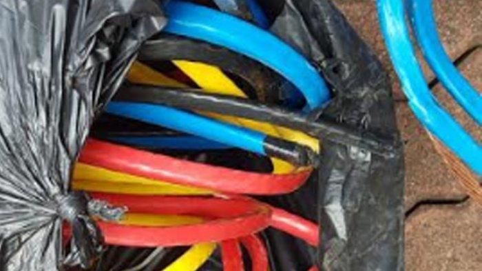 Kepergok, Pria di Bekasi Diamuk Warga Saat Hendak Mencuri Kabel PLN