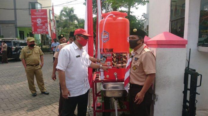 PMI Kota Tangerang Distribusi Wastafel Portabel Berisi 300 Liter Air Bersih Buat Cuci Tangan
