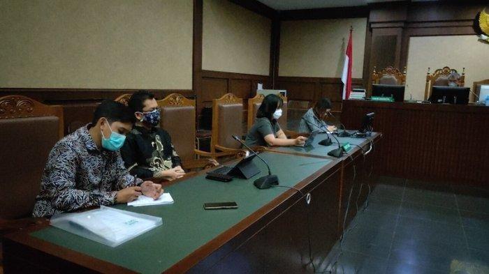 Pengadilan Negeri Jakarta Pusat hari ini, Kamis 16 September 2021 menggelar sidang agenda pembacaan putusan gugatan polusi udara yang diajukan 32 orang penggugat yang menamakan diri Gerakan Inisiatif Bersihkan Udara Koalisi Semesta (Ibu Kota).