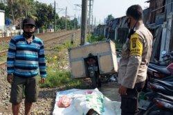 Berontak Saat Dihalangi, Seorang PNS Tabrakan Diri ke Kereta yang Melintas di Depok