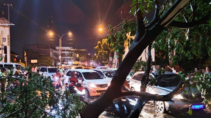 Cara Menyelamatkan Diri Saat Angin Puting Beliung, Cek Panduan Lengkap dari BNPB
