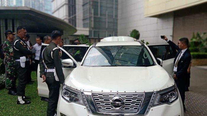 Pemilik Mobil Nissan Tera B1 RI Jadi Tersangka, Bawa Senjata Tajam hingga Beli Undangan Pelantikan