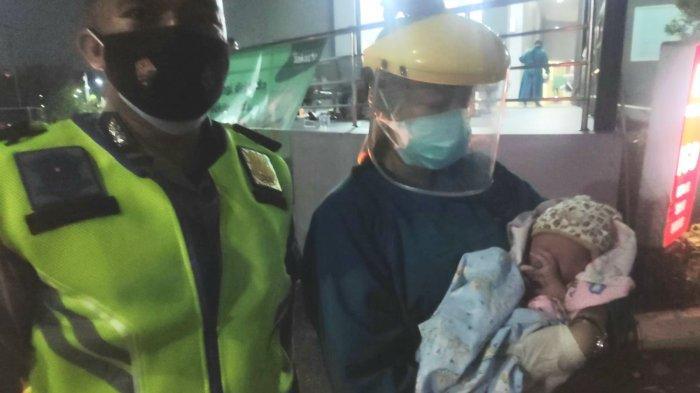 Polisi Kawal Bus AKAP Bawa Ibu Hamil dari Sumedang hingga Bersalin di Cipayung