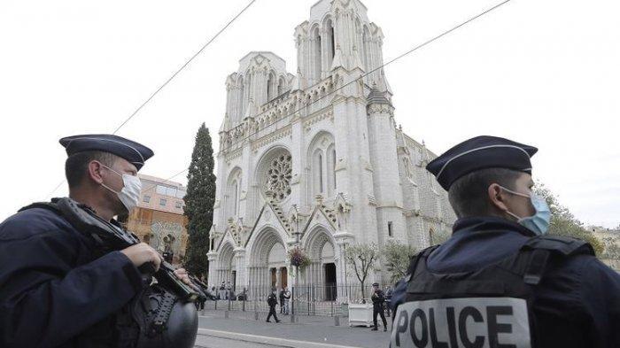 KronologiTeror Brutal di Gereja Notre-Dame Perancis: PelakuBawa DuaTelepon dan Sebilah Pisau