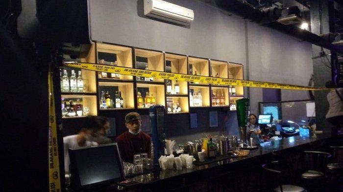 Kafe Holly Glass Bekasi Disegel Polisi Akibat Tak Taat Protokol Kesehatan