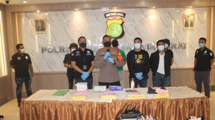 Pil Happy Five hingga Senpi Jenis Barreta Disita Polisi dari Askara Parasady Harsono