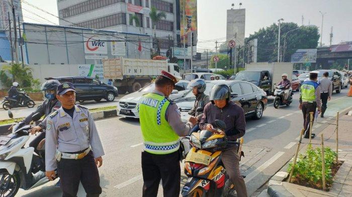 Gelar Razia Gabungan Jalur Sepeda di Fatmawati, 5 Pemotor dan 2 Mobil Pick Up Ditilang