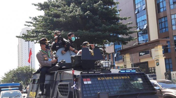 Antisipasi Penyebaran Corona, Kapolres dan Dandim Pimpin Penyemprotan Disinfektan di Jakarta Pusat