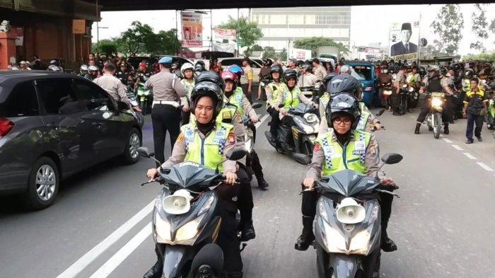 Seminggu Jelang Pemilu, Polres Metro Jakarta Utara Patroli di Pejagalan Ajak Masyarakat Nyoblos
