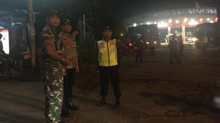 Cegah Aksi Anarkis di Jakarta, TNI/Polri Sweeping Barang Bawaan Penumpang Bus dari Tangerang