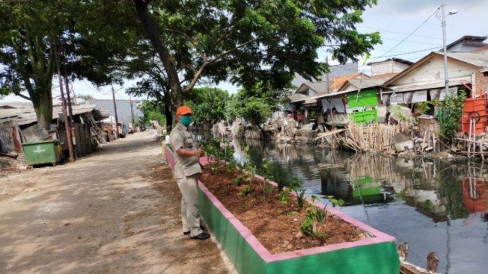 Cegah Longsor dan Parkir Sembarangan, Puluhan Pot Besar Dibangun di RW 04 Tugu Selatan Koja