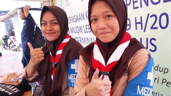Cari Pengalaman Saat Libur Sekolah, 2 Pramuka Jadi Relawan Medis di Terminal Lebak Bulus