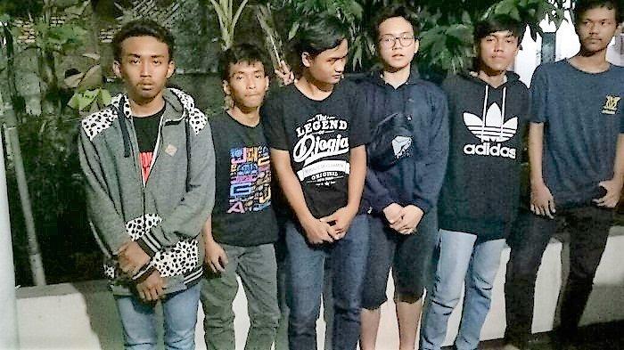 Demi DapatSubscribe di Youtube, 6 Pemuda Resahkan Warga Cilandak Jahili Jadi Pocong di Kuburan